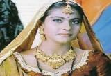 لعبة تلبيس الممثلة الهندية كاجول