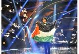لعبة غناء محمد على المسرح